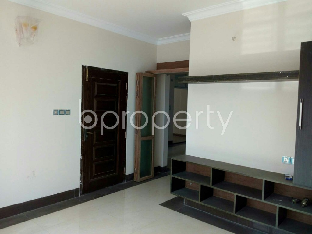 Empty Room - 3 Bed Apartment to Rent in Bashundhara R-A, Dhaka - 1847607