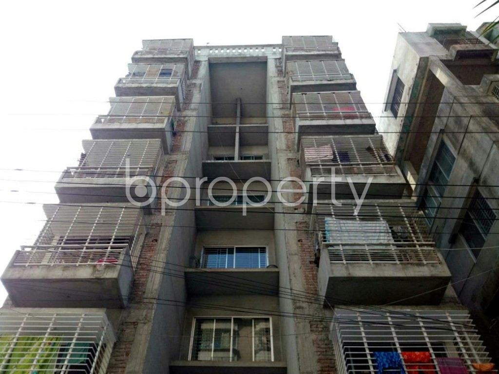 Front view - 3 Bed Apartment for Sale in Bashundhara R-A, Dhaka - 1847746