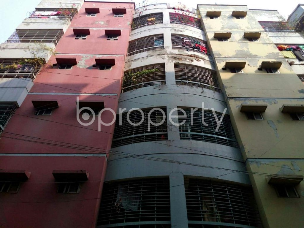Front view - 3 Bed Apartment to Rent in Mohammadpur, Dhaka - 1847787