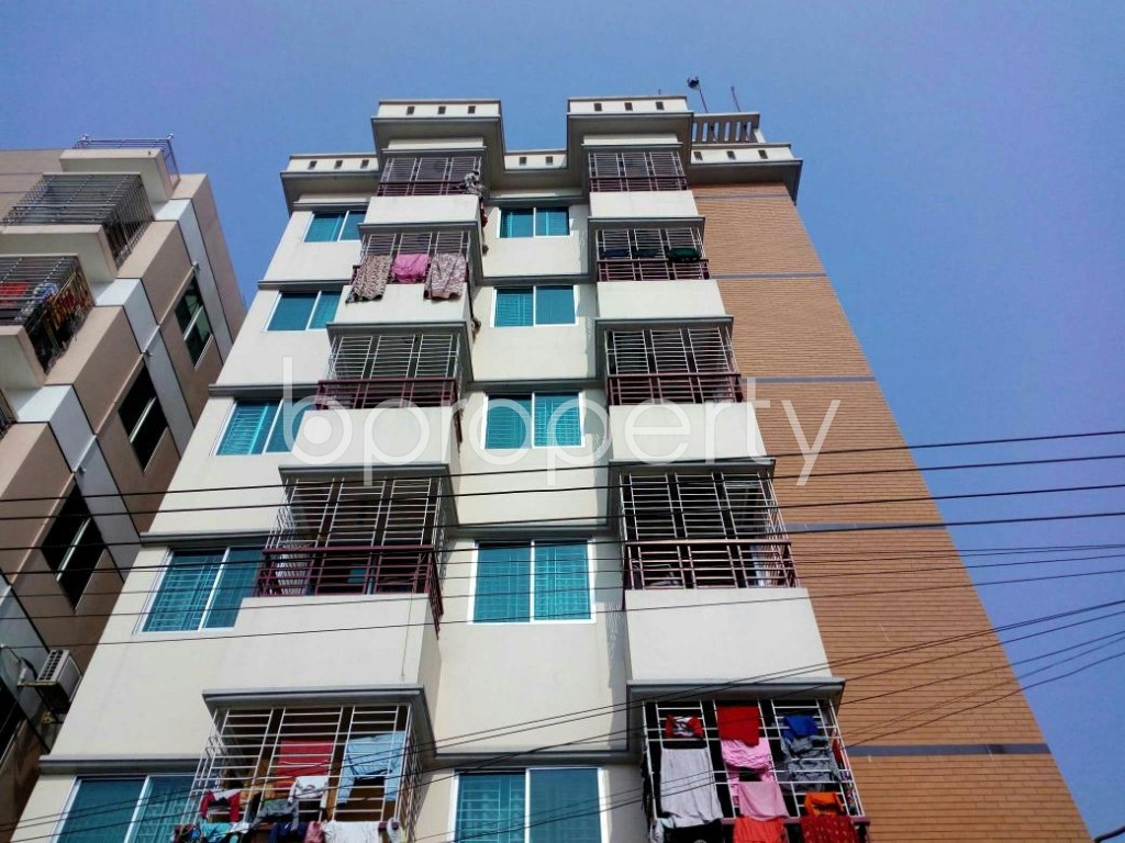 Front view - 2 Bed Apartment to Rent in Bashundhara R-A, Dhaka - 1848029