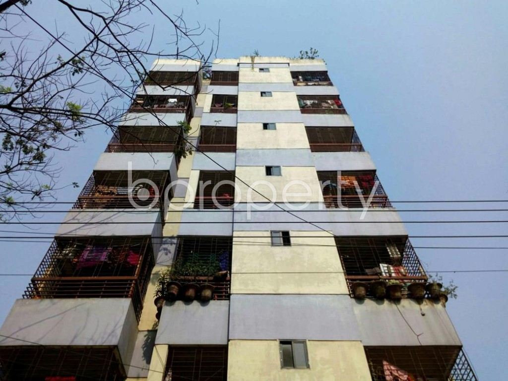 Front view - 3 Bed Apartment to Rent in Bashundhara R-A, Dhaka - 1848032