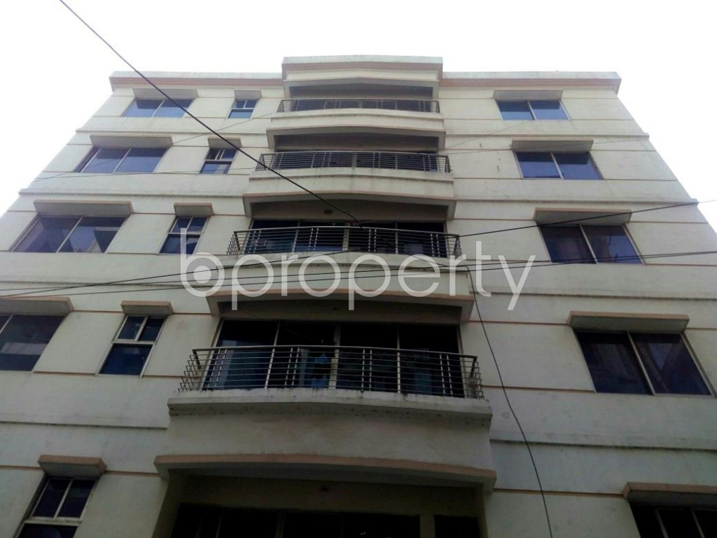 Front view - 3 Bed Apartment to Rent in Bashundhara R-A, Dhaka - 1848093
