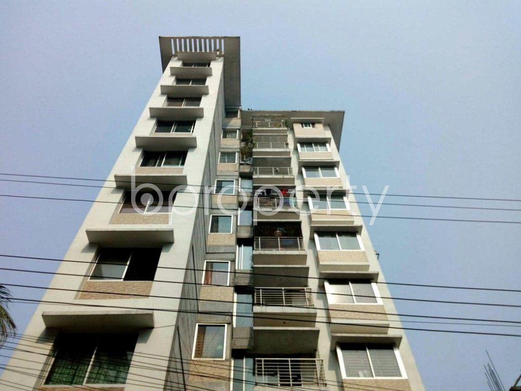 Front view - 3 Bed Apartment to Rent in Bashundhara R-A, Dhaka - 1848268