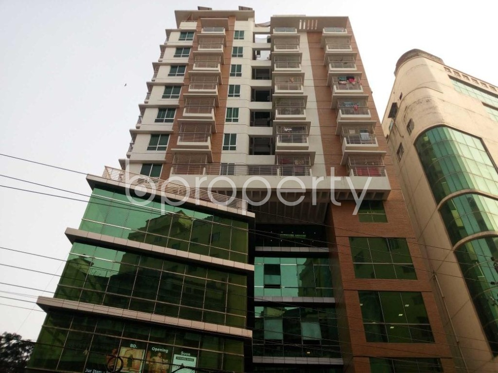 Front view - 3 Bed Apartment to Rent in New Market, Dhaka - 1848344