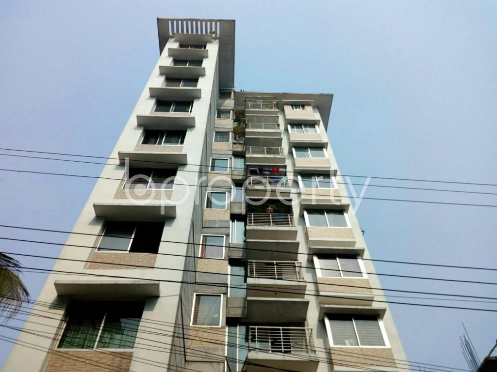 Front view - 3 Bed Apartment to Rent in Bashundhara R-A, Dhaka - 1848413