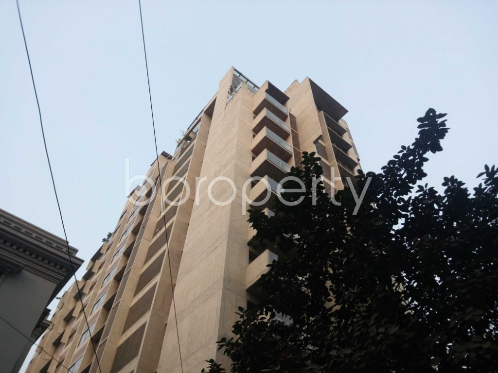 Outside view - 3 Bed Duplex for Sale in Gulshan, Dhaka - 1850637