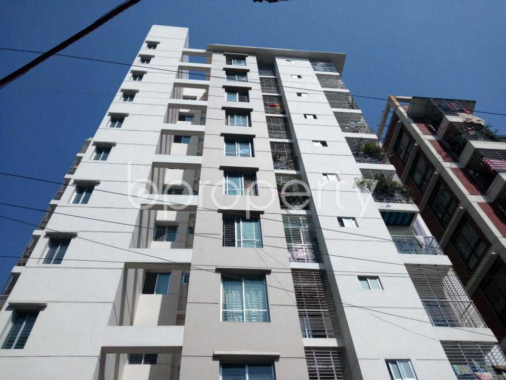 Front view - 3 Bed Apartment for Sale in 33 No. Firingee Bazaar Ward, Chattogram - 1852940