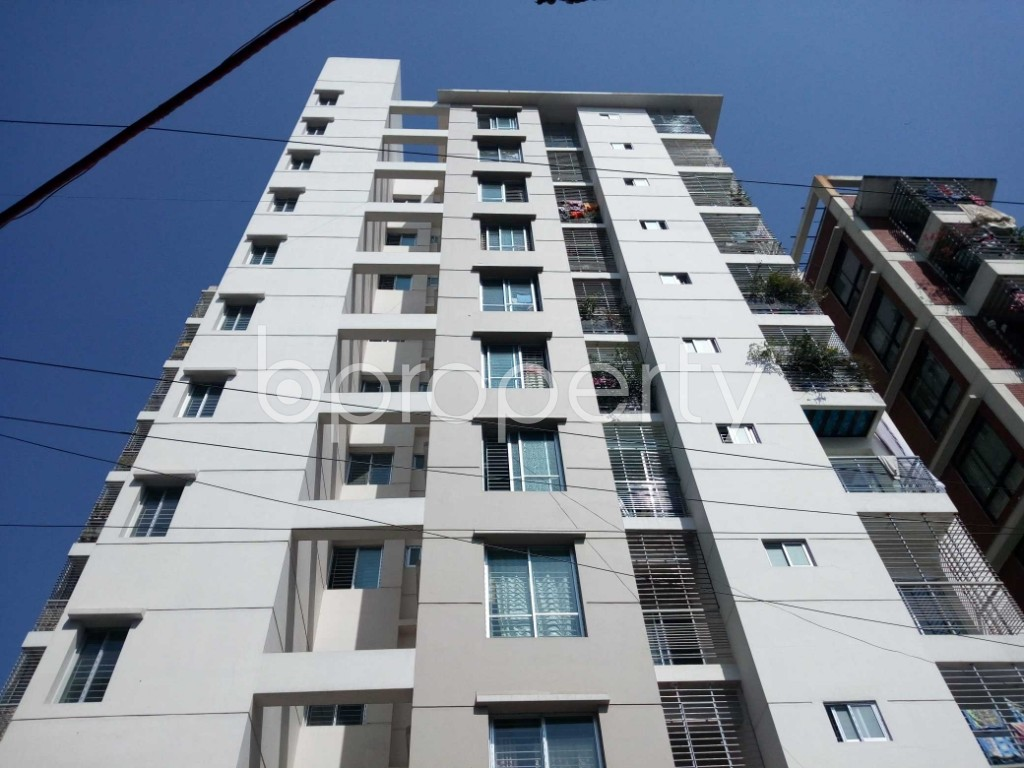 Front view - 3 Bed Apartment for Sale in 33 No. Firingee Bazaar Ward, Chattogram - 1852954