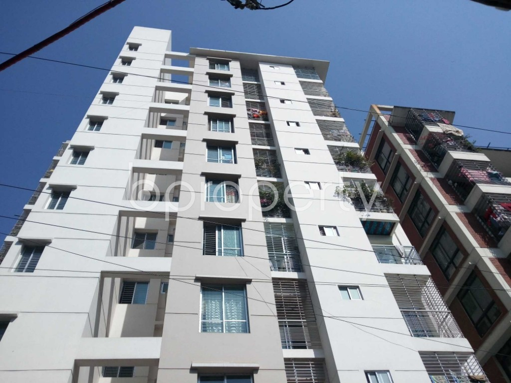 Front view - 3 Bed Apartment for Sale in 33 No. Firingee Bazaar Ward, Chattogram - 1852959