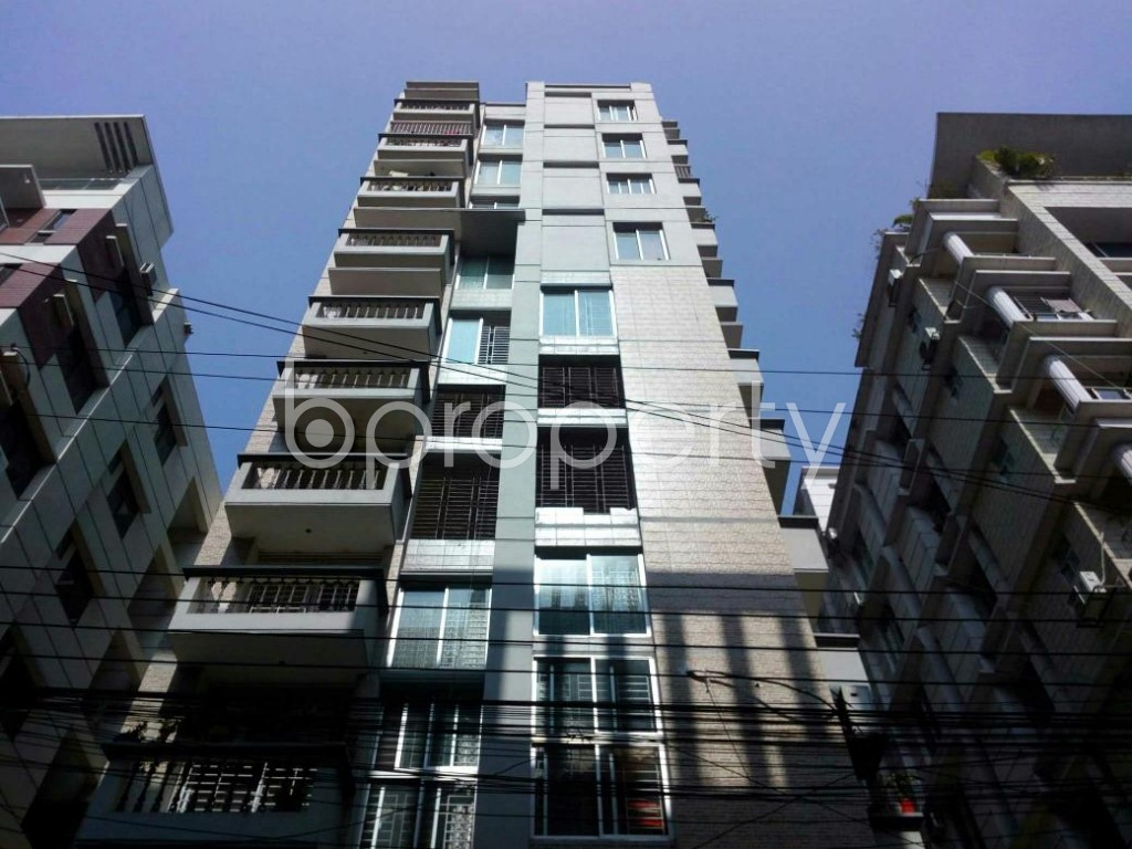 Front view - 3 Bed Apartment for Sale in Bashundhara R-A, Dhaka - 1855099