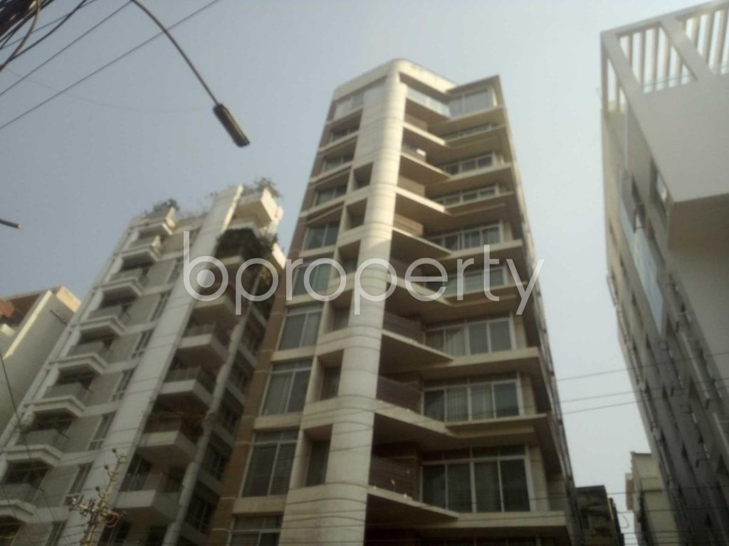 Front view - 3 Bed Apartment to Rent in Baridhara, Dhaka - 1855934