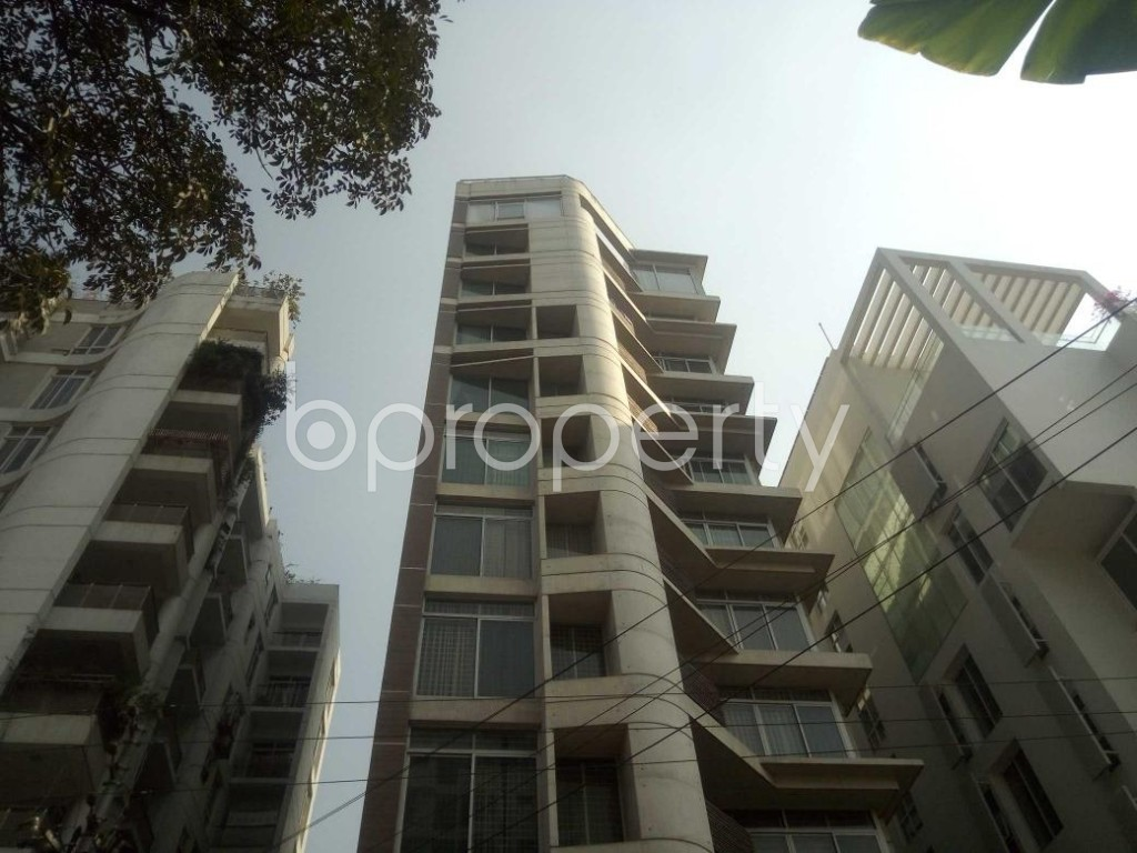 Front view - 3 Bed Apartment to Rent in Baridhara, Dhaka - 1855941