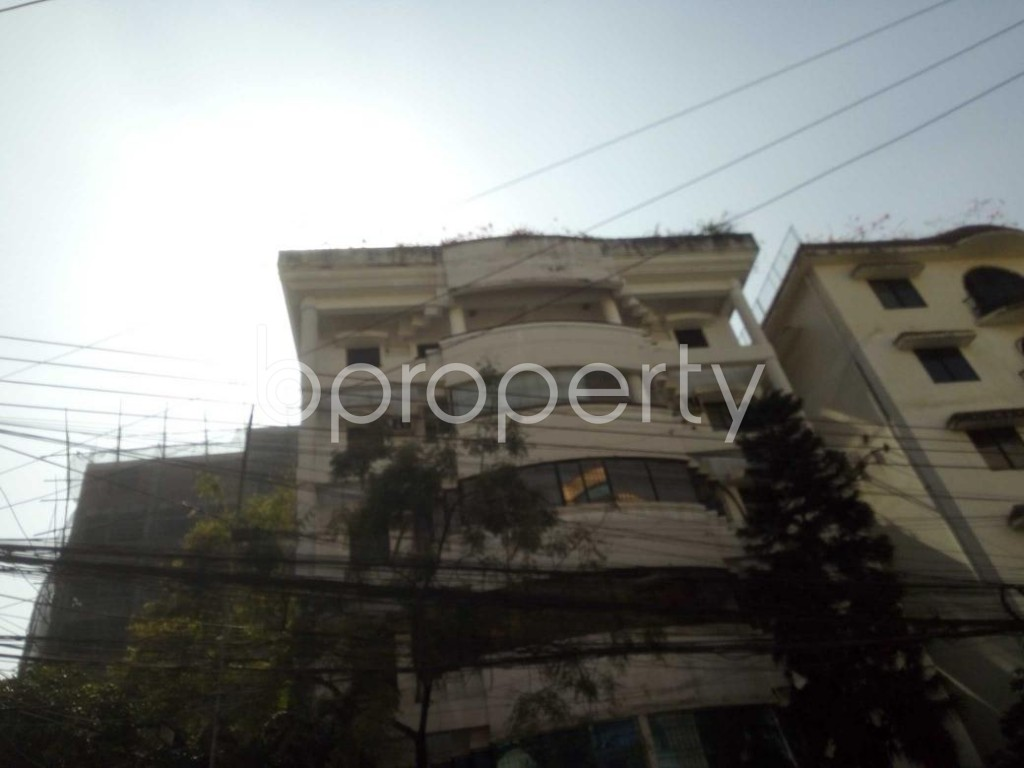 Front view - 3 Bed Apartment to Rent in Baridhara, Dhaka - 1857526