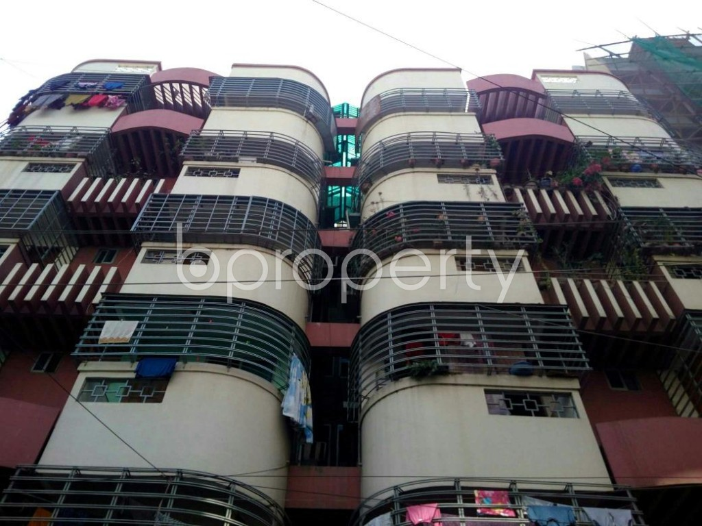 Front view - 3 Bed Apartment for Sale in Bashundhara R-A, Dhaka - 1858063