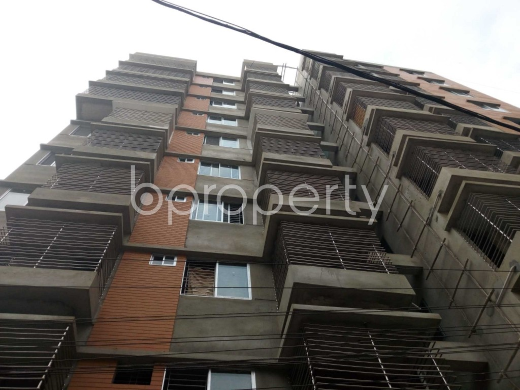 Front view - 3 Bed Apartment for Sale in 33 No. Firingee Bazaar Ward, Chattogram - 1859875