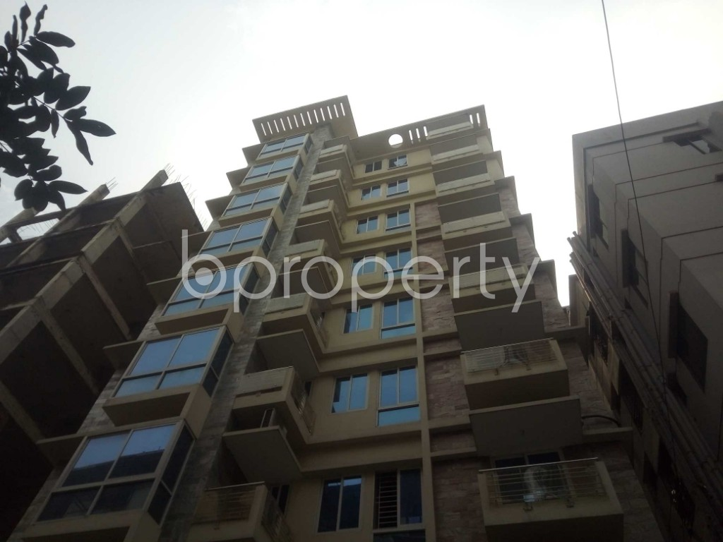 Front view - 4 Bed Apartment to Rent in Baridhara, Dhaka - 1859971