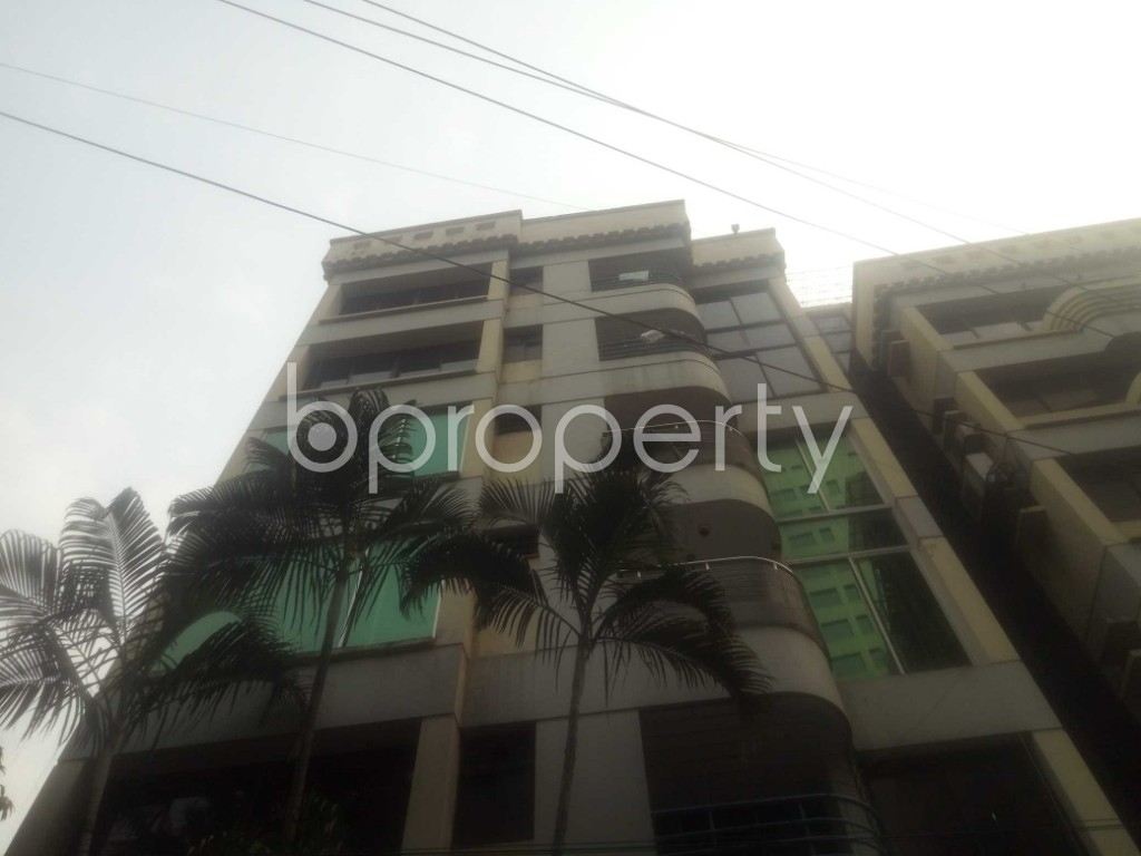 Front view - 4 Bed Apartment for Sale in Gulshan, Dhaka - 1864112