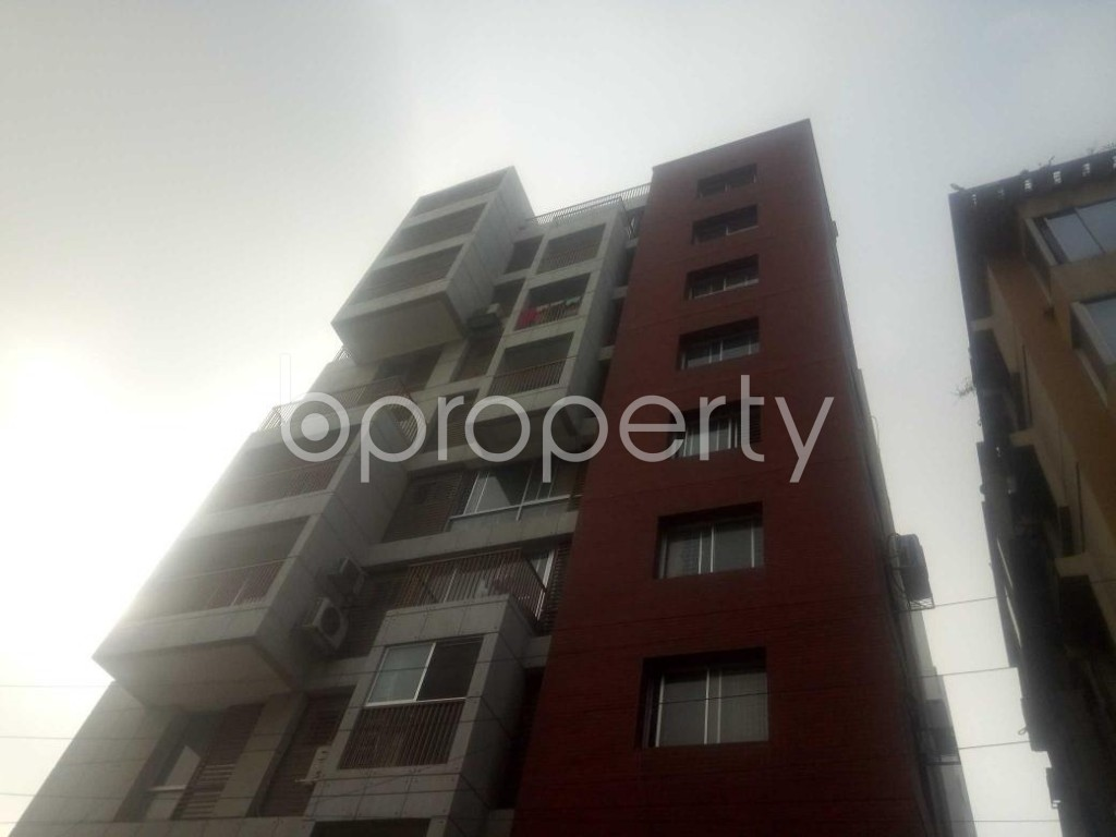 Front view - 3 Bed Apartment to Rent in Baridhara, Dhaka - 1866631
