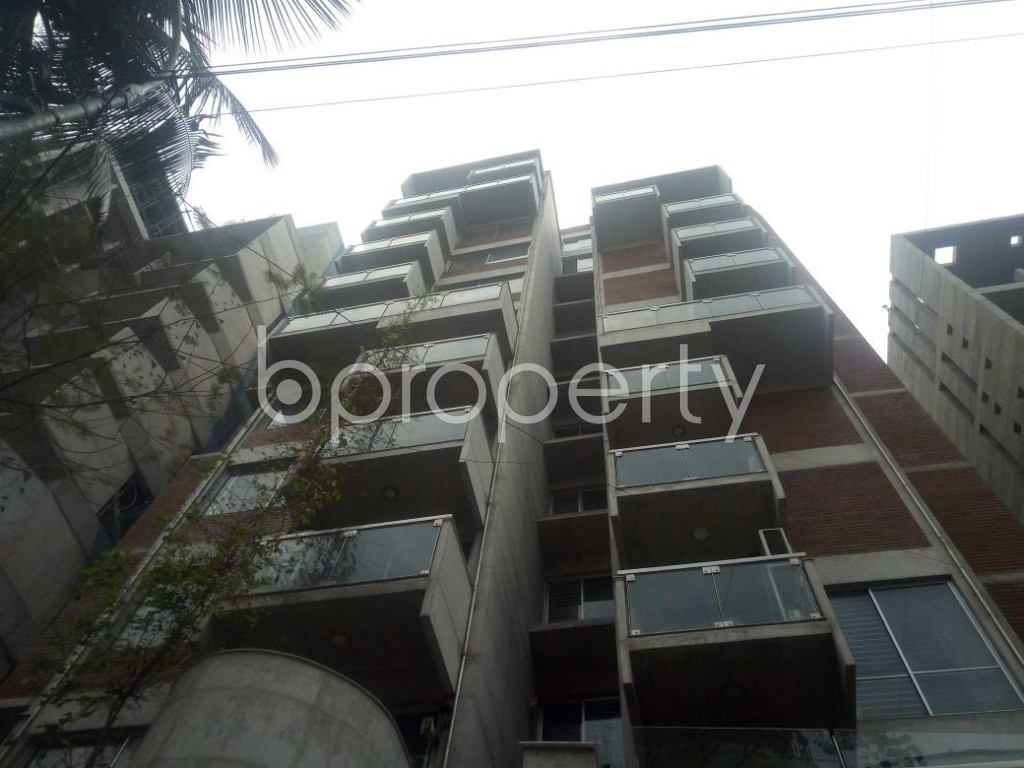 Front view - 3 Bed Apartment to Rent in Baridhara, Dhaka - 1868444