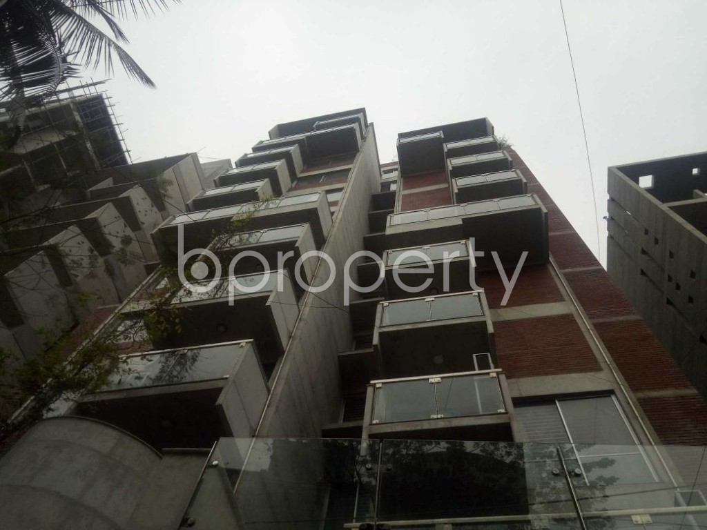 Front view - 4 Bed Apartment for Sale in Baridhara, Dhaka - 1868445