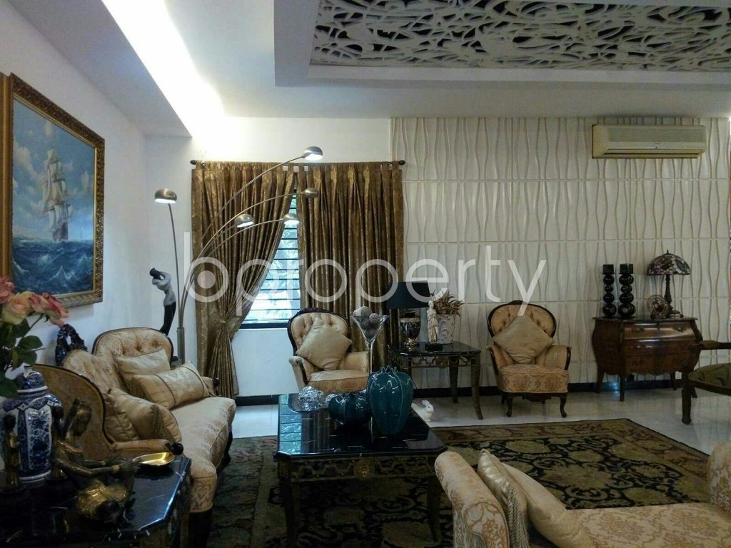 Empty Room - 4 Bed Apartment for Sale in Dhanmondi, Dhaka - 1868738
