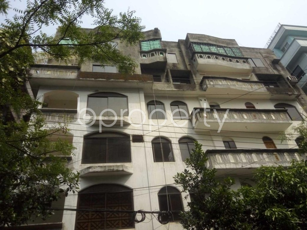Front view - 4 Bed Apartment to Rent in Baridhara DOHS, Dhaka - 1873941