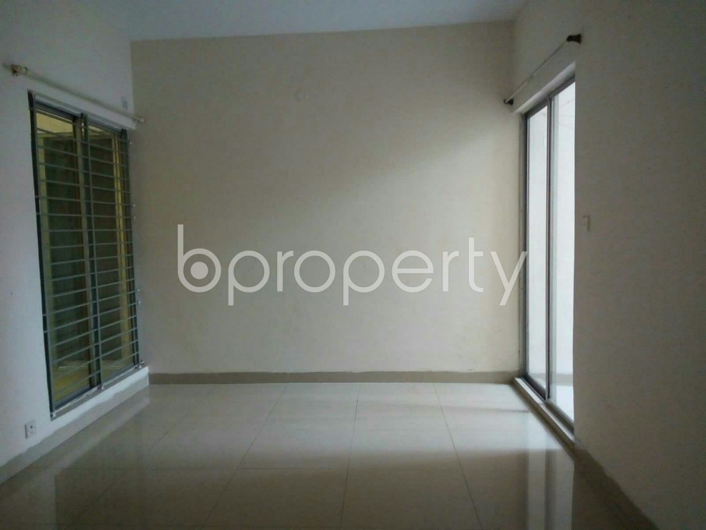 Empty Room - 3 Bed Apartment to Rent in Dhanmondi, Dhaka - 1875770