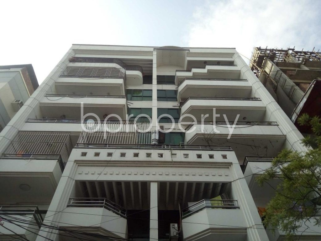 Front view - 3 Bed Apartment to Rent in Lalmatia, Dhaka - 1875927