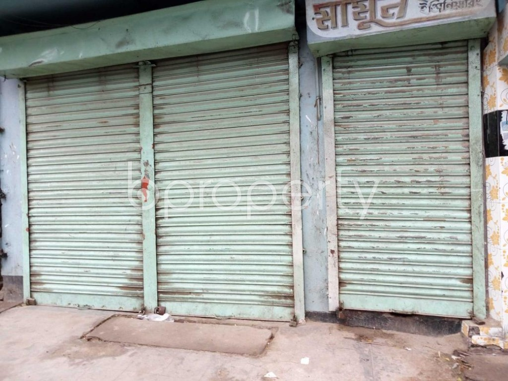 Front view - Shop to Rent in Sutrapur, Dhaka - 1876559