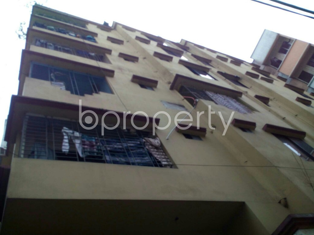 Outside view - 3 Bed Apartment to Rent in Dhanmondi, Dhaka - 1876738