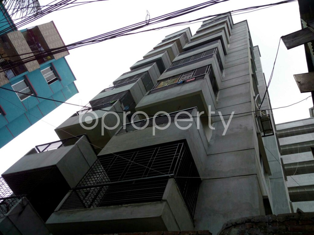 Outside view - 3 Bed Apartment to Rent in Dhanmondi, Dhaka - 1876887