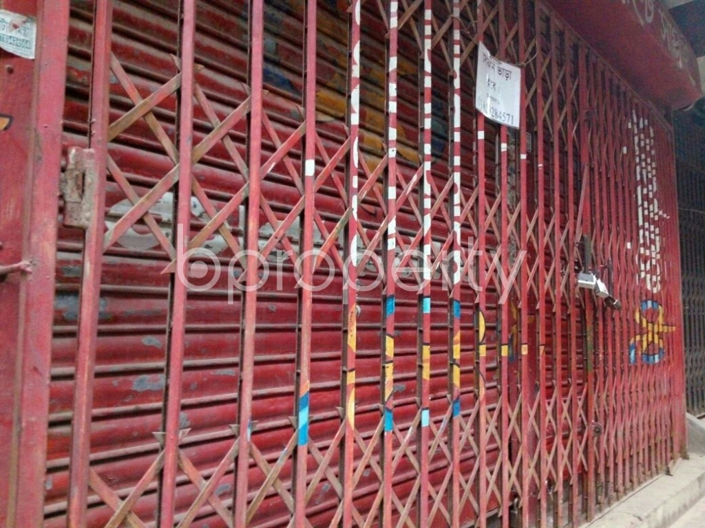 Outside view - Shop to Rent in Dhanmondi, Dhaka - 1876997