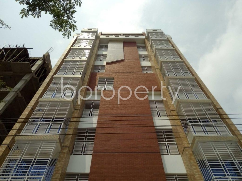 Front view - 3 Bed Apartment to Rent in Bashundhara R-A, Dhaka - 1877237