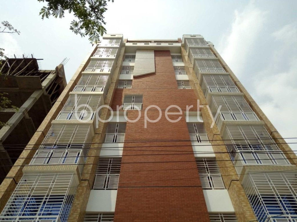 Front view - 3 Bed Apartment to Rent in Bashundhara R-A, Dhaka - 1877244