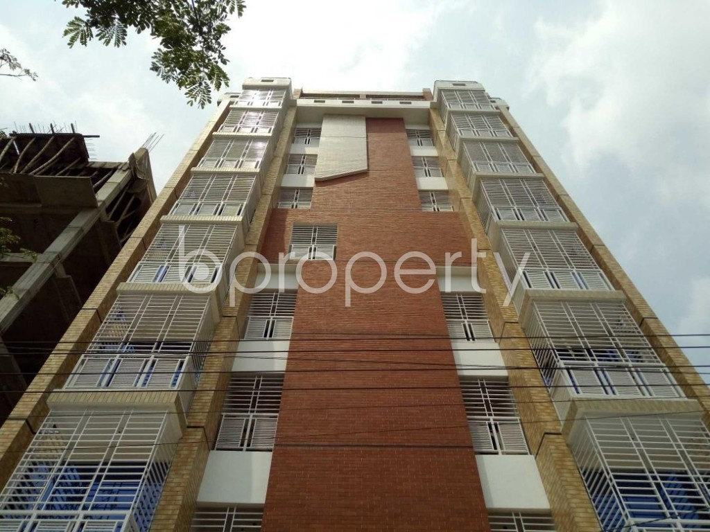 Front view - 3 Bed Apartment to Rent in Bashundhara R-A, Dhaka - 1877246