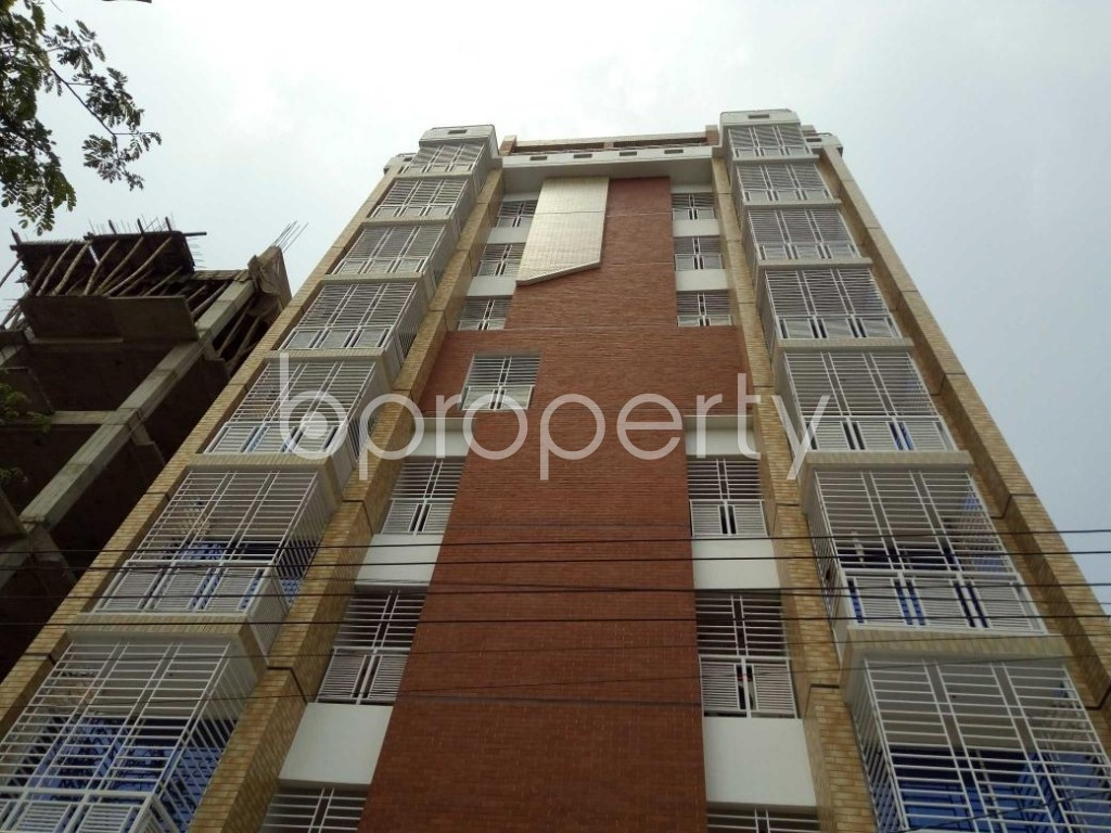 Front view - 3 Bed Apartment to Rent in Bashundhara R-A, Dhaka - 1877247