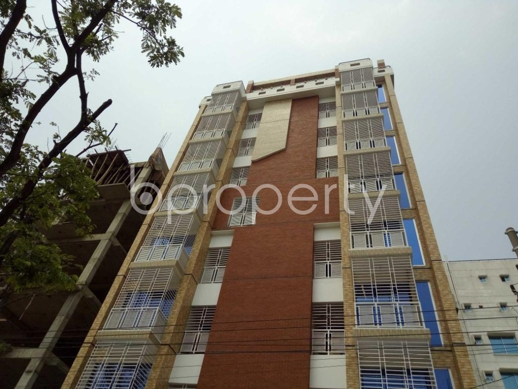 Front view - 3 Bed Apartment to Rent in Bashundhara R-A, Dhaka - 1877248