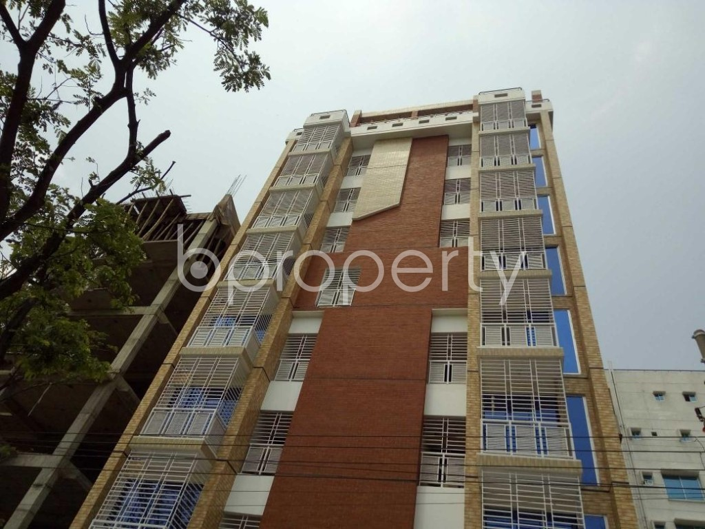 Front view - 3 Bed Apartment to Rent in Bashundhara R-A, Dhaka - 1877249