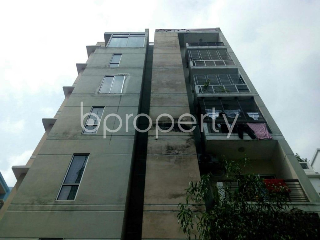 Front view - 3 Bed Apartment for Sale in Bashundhara R-A, Dhaka - 1877334