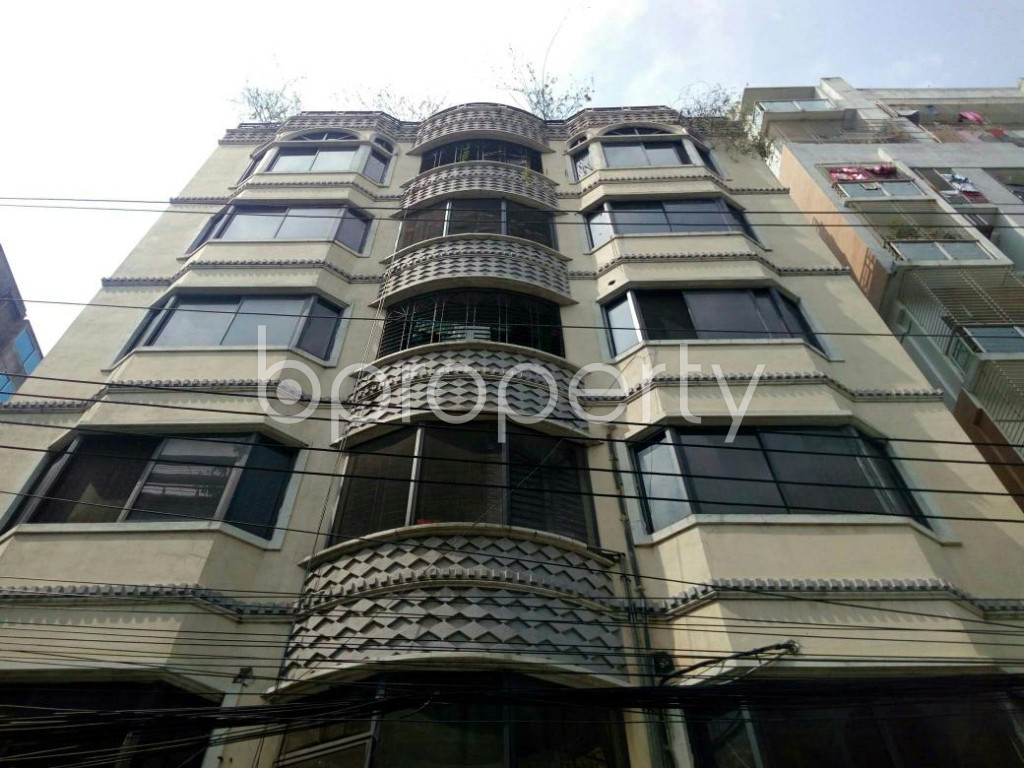 Front view - 3 Bed Apartment for Sale in Bashundhara R-A, Dhaka - 1877338