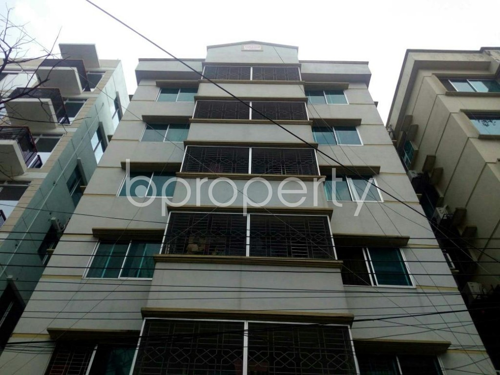 Front view - 2 Bed Apartment to Rent in Bashundhara R-A, Dhaka - 1877631