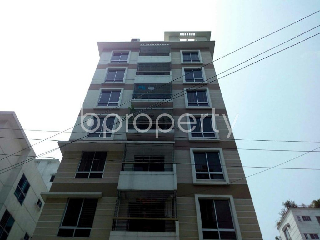 Front view - 3 Bed Apartment to Rent in Bashundhara R-A, Dhaka - 1877700