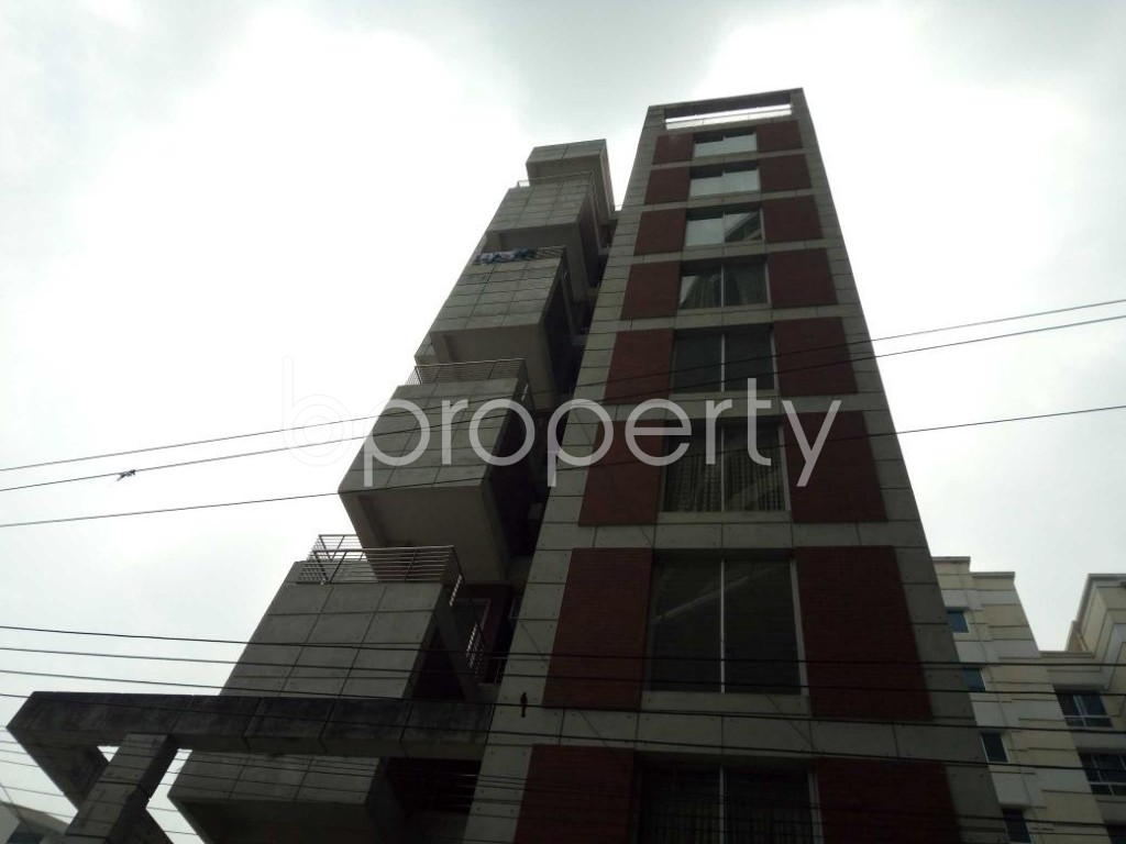 Front view - 2 Bed Apartment to Rent in Bashundhara R-A, Dhaka - 1877727
