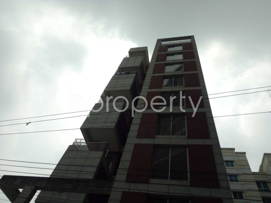 Front view - 3 Bed Apartment to Rent in Bashundhara R-A, Dhaka - 1877728