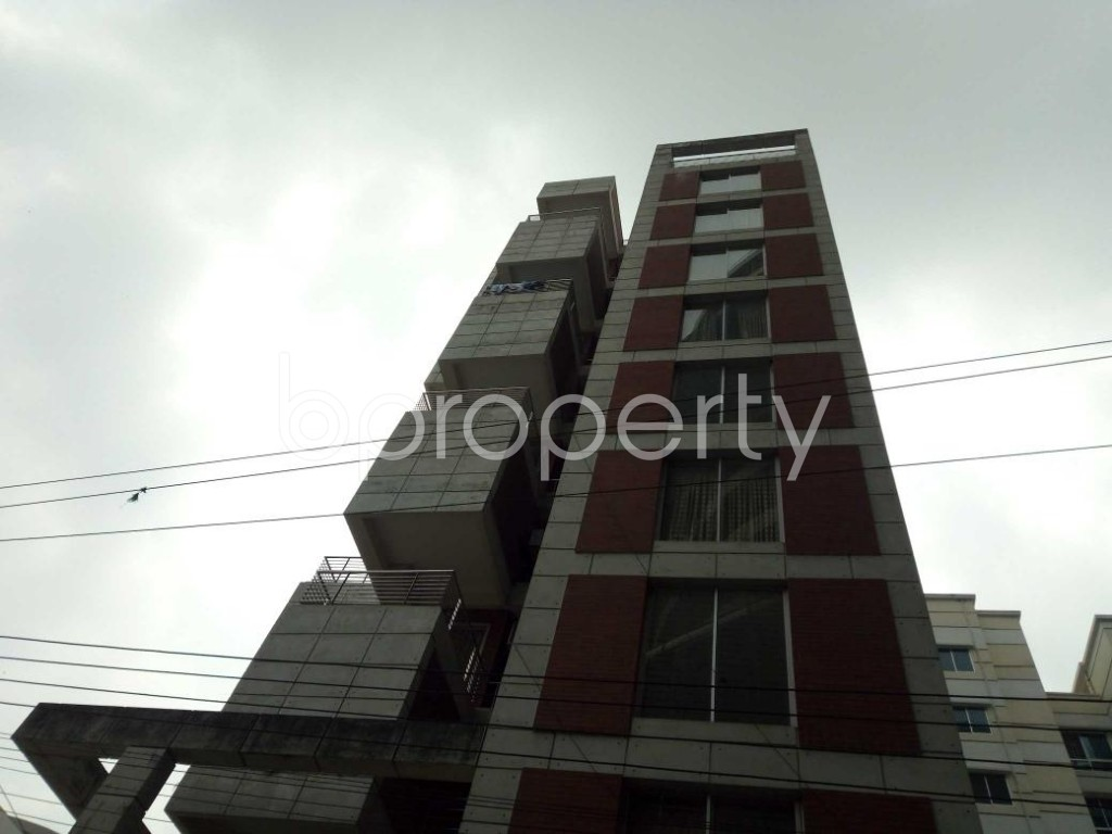 Front view - 3 Bed Apartment to Rent in Bashundhara R-A, Dhaka - 1877729