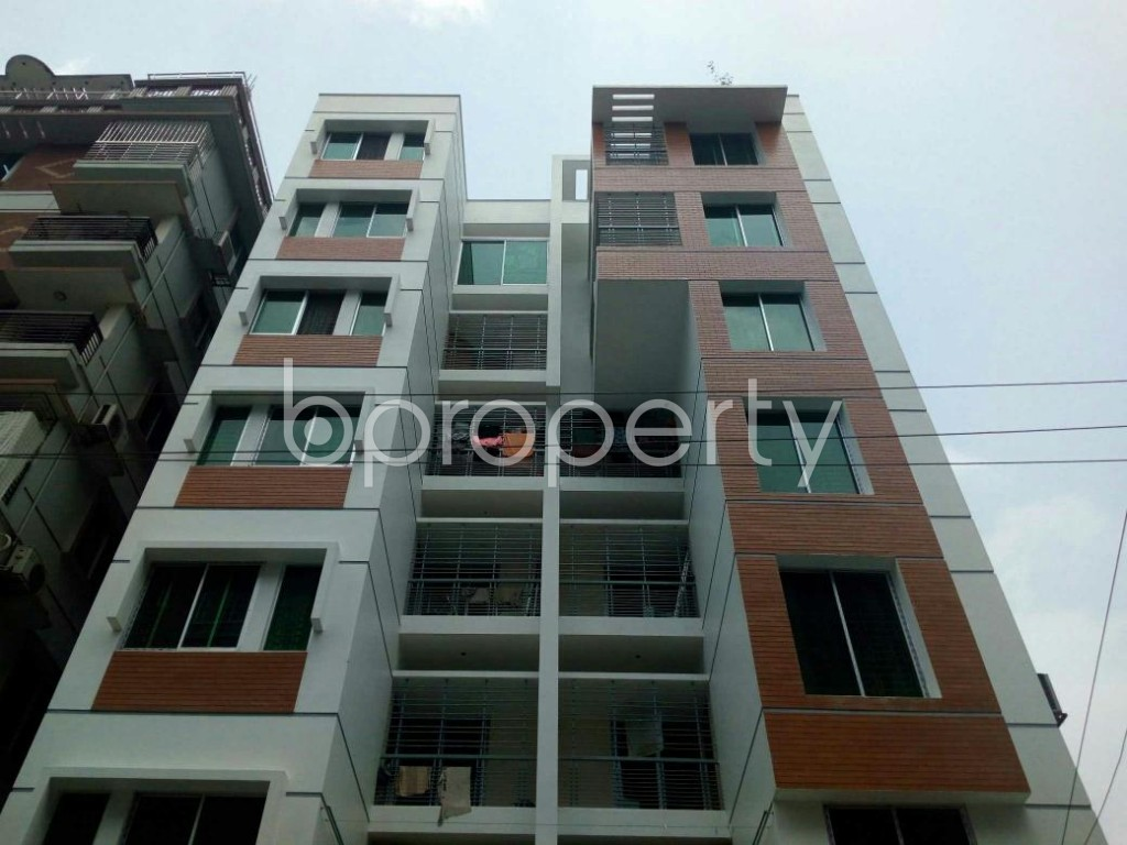 Front view - 2 Bed Apartment to Rent in Bashundhara R-A, Dhaka - 1877764