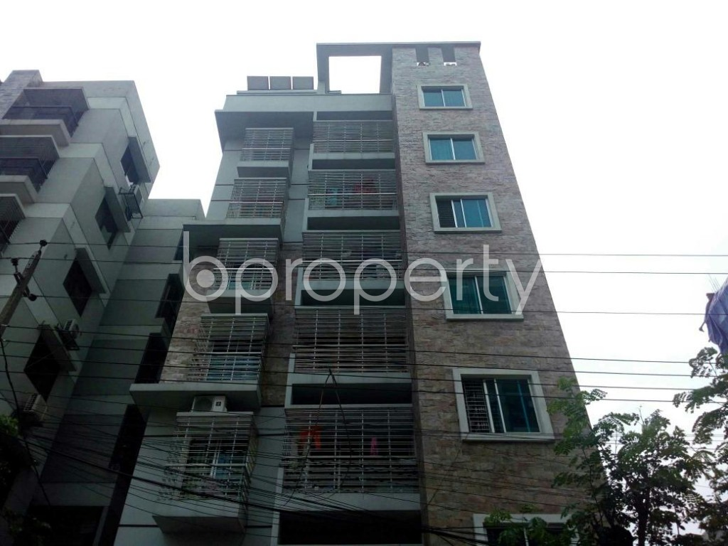 Front view - 3 Bed Apartment to Rent in Bashundhara R-A, Dhaka - 1877766
