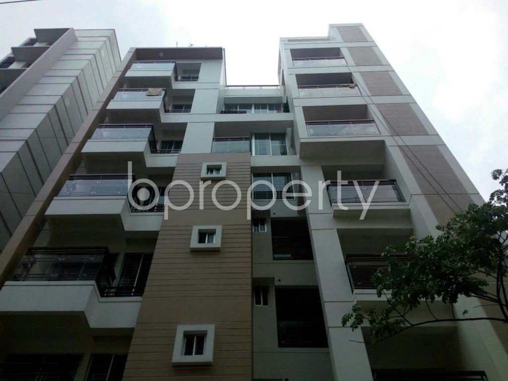 Front view - 3 Bed Apartment to Rent in Bashundhara R-A, Dhaka - 1877789