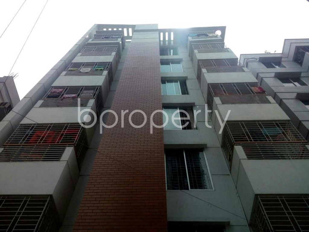 Front view - 3 Bed Apartment to Rent in Bashundhara R-A, Dhaka - 1877798