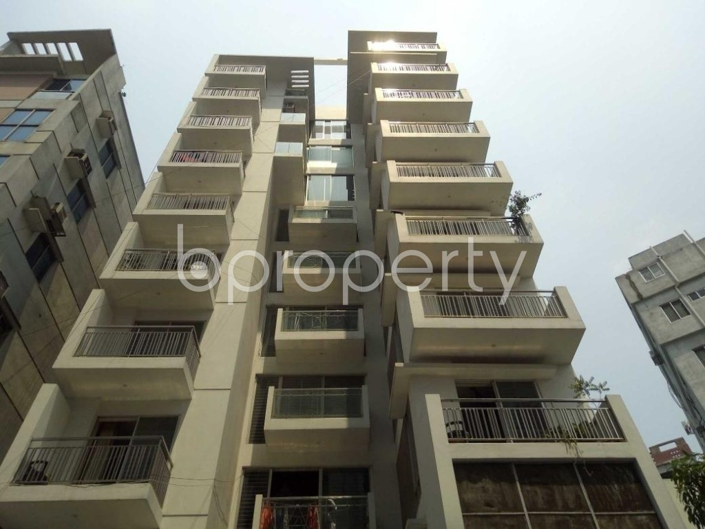 Front view - 3 Bed Apartment for Sale in Lalmatia, Dhaka - 1881339